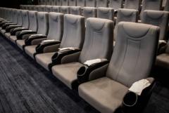 致敬药神,北京一影院推出手套专场,不送爆米花送手套?